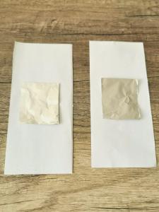 paire de carte de memory avec papier aluminium